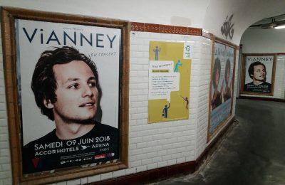 Affichage métro : couloir
