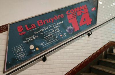 Affichage métro : rampe d'escalier